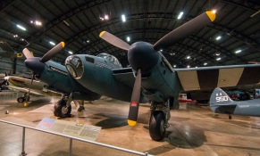 Havilland DH98 Mosquito